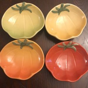 Set of 4 Williams Sonoma Tomato/Pumpkin dishes